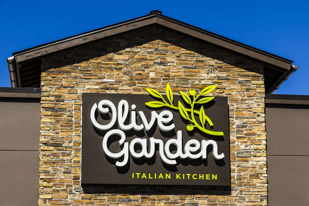 Olive Garden restaurant sign dec7