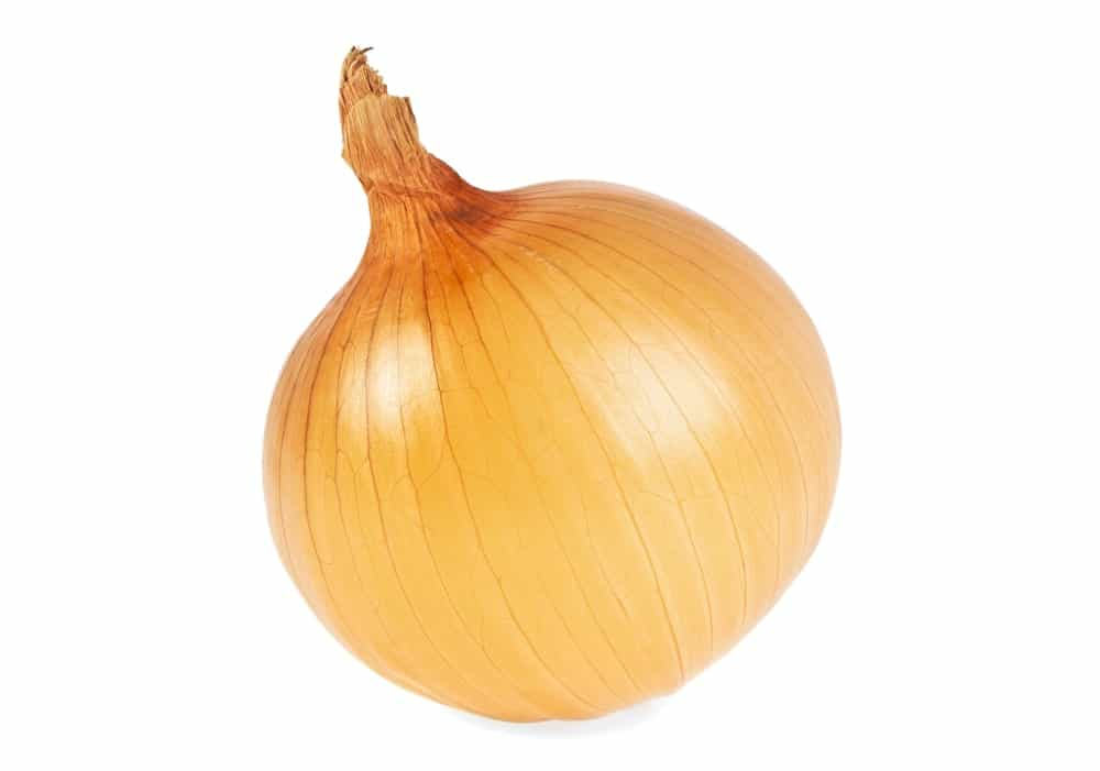 A yellow onion
