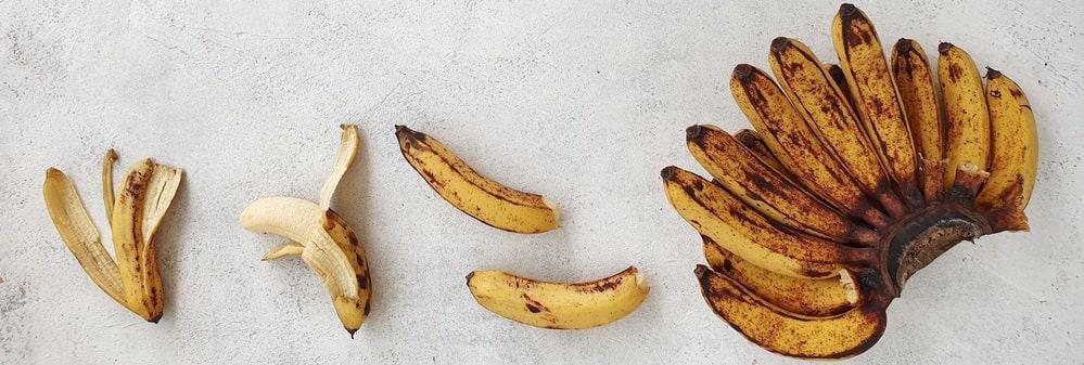A bundle of pisang barangan bananas.