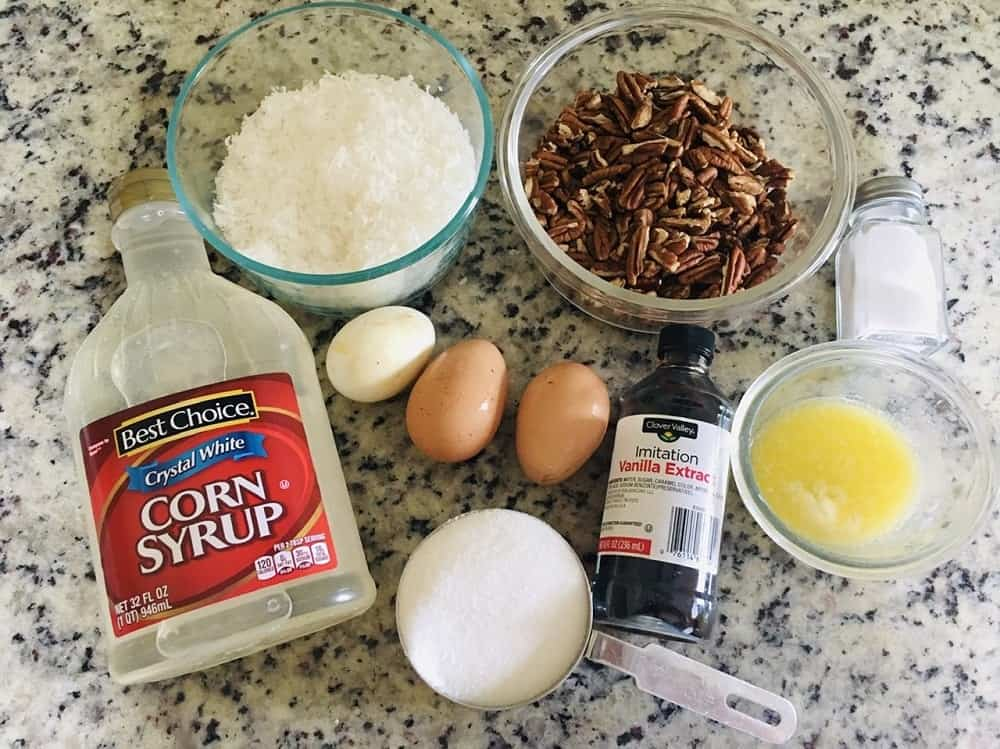 The set of ingredients for the pie filling.
