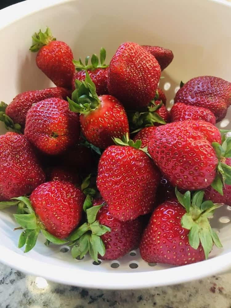 The strawberries are washed.