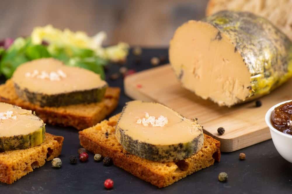Slices of PâtédeFoie Gras on gingerbread.