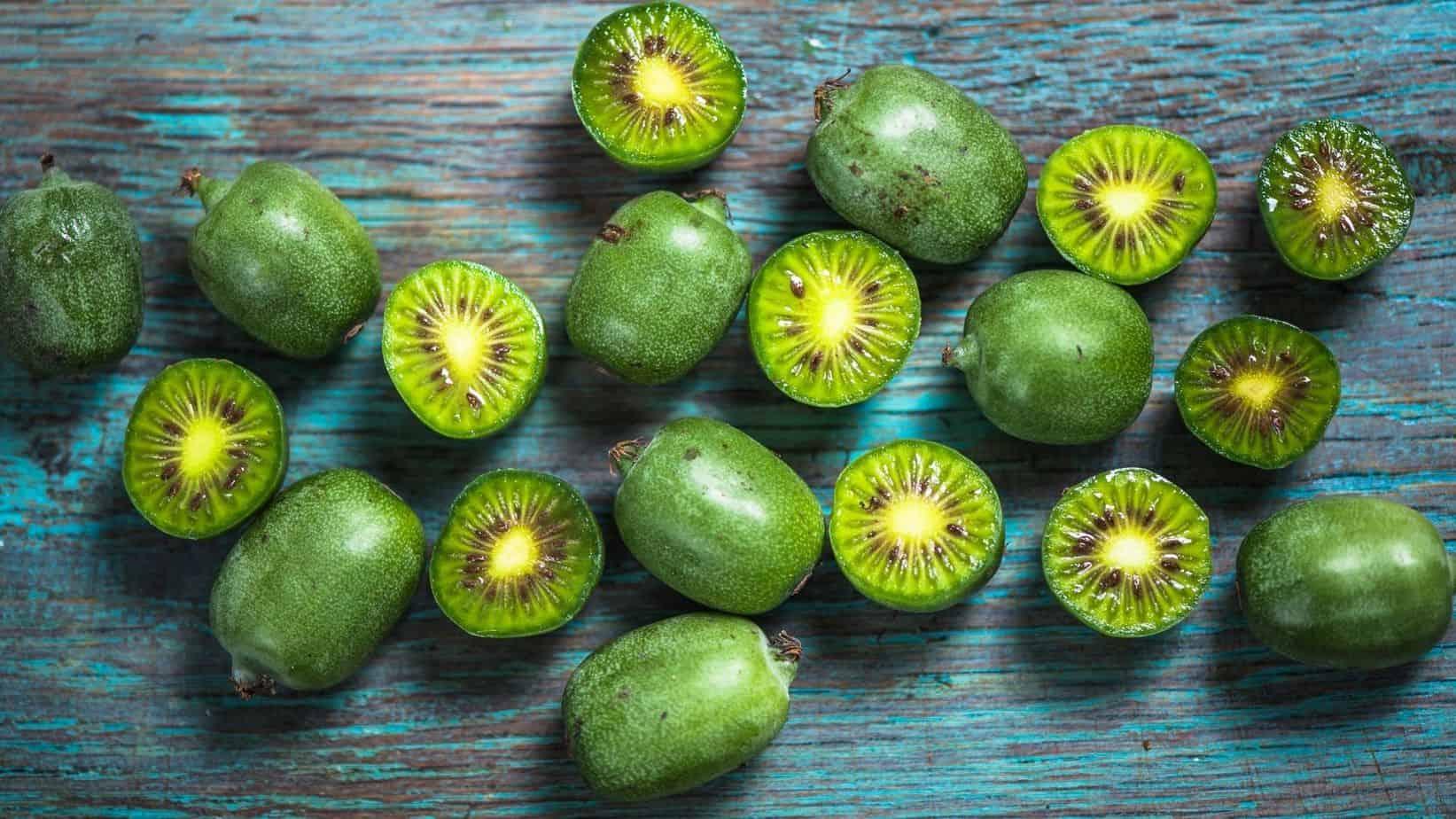 How to eat kiwi berries